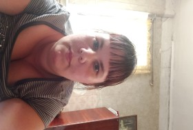 Marta, 33 - Just Me