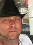 Gregory, 39, Frejus