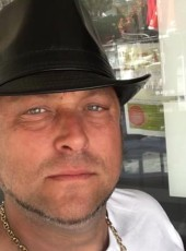 Gregory, 41, Italy, Turin