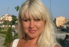 Elena, 39 - Just Me