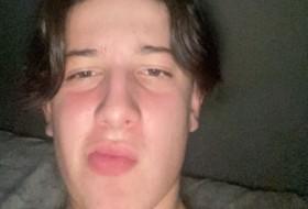 anthony kopec, 21 - Just Me