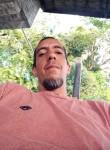Denis, 37  , Salvador