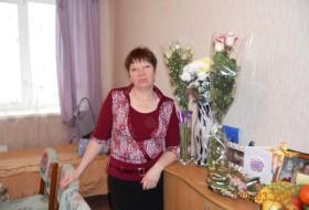 olya, 55 - Just Me