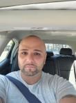 Esco , 29  , Staten Island