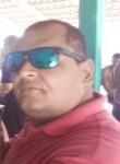 Dennys, 44  , Brasilia