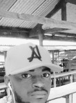 Romain, 29  , Mbanza-Ngungu