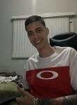 Luis Fernando , 25  , Santa Cruz