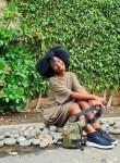 Zara, 20, Libreville