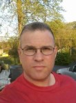 James, 44  , Union City (State of New Jersey)