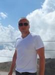 Maks, 38  , Colon