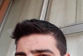 Salim, 18 - Just Me