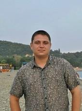 Viktor, 38, Russia, Volgograd