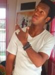 Elhadj, 18, Anglet