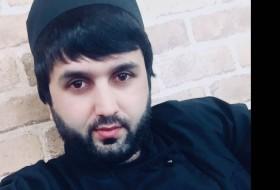 Umar, 27 - Just Me