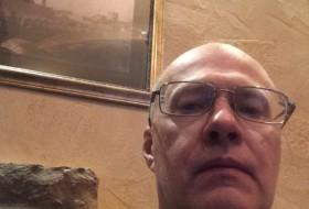 alexandr, 58 - Just Me