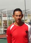 Arturo , 46  , Tesistan