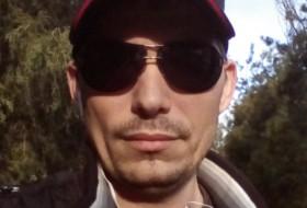 Roman , 31 - Just Me