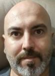 Raúl , 41  , Valencia