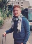 Mahmoud, 21  , Juvisy-sur-Orge