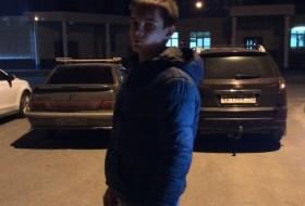 Vitaliy, 23 - Just Me