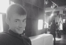 Dima, 29 - Just Me