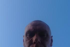 Nigle, 51 - Just Me