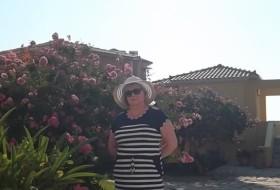 Tamara, 62 - Just Me