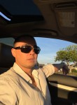 thomas, 43  , Santa Ana