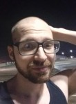 Chris, 32, Deltona