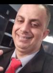 Guto, 37, Sao Paulo
