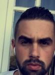 Nicolas, 26  , Yerres
