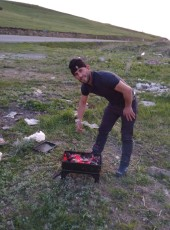 Mustafa, 18, Turkey, Erzurum