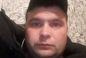 Artyem, 36 - Just Me