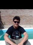 Luca , 19  , San Justo