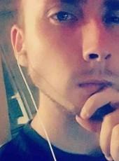 Romain, 20, France, Sully-sur-Loire