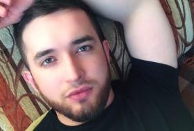 Maklich, 28 - Just Me