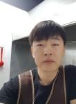 Evgeniy, 40  , Wonju