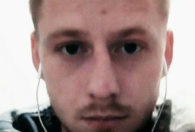 Maks, 27 - Just Me