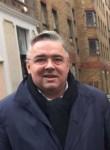 Xav, 52  , Puteaux