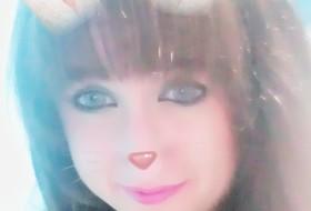 Yana, 18 - Just Me