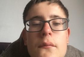 williamzz, 18 - Just Me