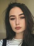 Valentina, 22  , Victoria