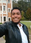 Adrián kucho, 32  , Leon