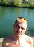 Manuel, 45  , Neuilly-Plaisance