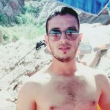 Tito, 26  , Medea