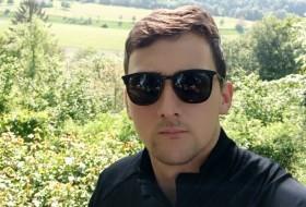 Petar, 25 - Just Me