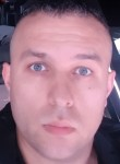 Goran, 36  , La Courneuve