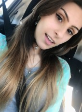 Sarah, 21, United States of America, Everett (State of Washington)