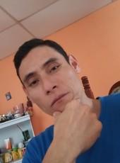 Coe, 40, Guatemala, Coban