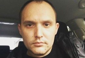Viktor, 28 - Just Me